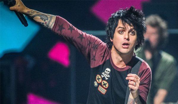 Billie Joe Armstrong confirma que Green Day está trabalhando em novo material
