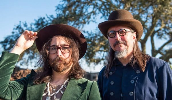 "The Claypool Lennon Delirium divulga novo single; ouça ""Easily Charmed by Fools"""