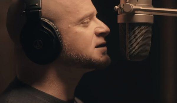 All That Remains: vocalista lança rap/metal com o duo Gorilla Voltage