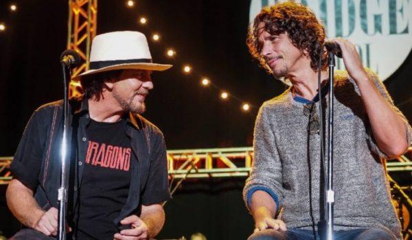 Eddie Vedder faz cover especial de Chris Cornell em show; assista aqui