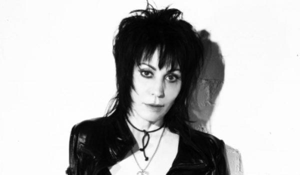 """Joan Jett ficou """"apavorada"""" quando se apresentou com o Nirvana"""