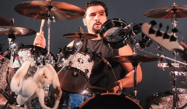 Serj Tankian, M. Shadows e Tom Morello estão em projeto do baterista do System