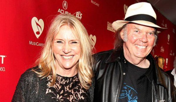 Morre Pegi Young, cantora e ex-esposa de Neil Young