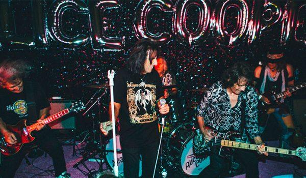 Alice Cooper: novo documentário sobre reunião da banda original ganha trailer