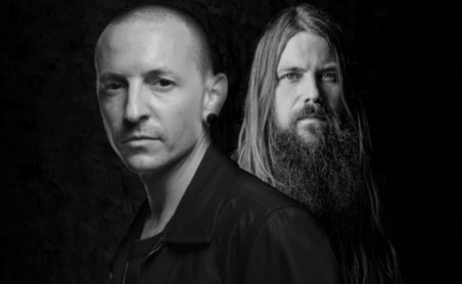 Mark Morton diz que Chester Bennington estava animado em fazer algo mais pesado que Linkin Park