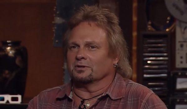 Michael Anthony foi convidado para uma reunião do Van Halen, segundo Sammy Hagar