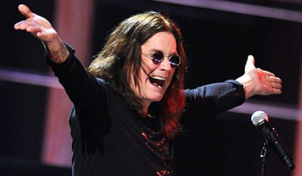 """Ozzy Osbourne """"está muito melhor depois da internação"""", confirma filho do cantor"""