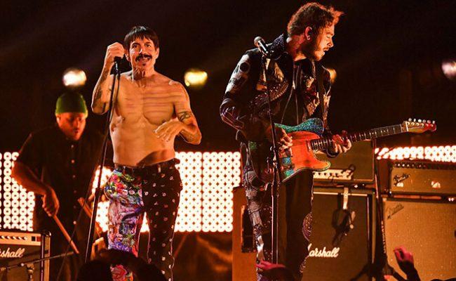 Red Hot Chili Peppers se apresenta com Post Malone no Grammy 2019