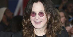 Ozzy Osbourne está respirando normalmente depois de risco de pneumonia