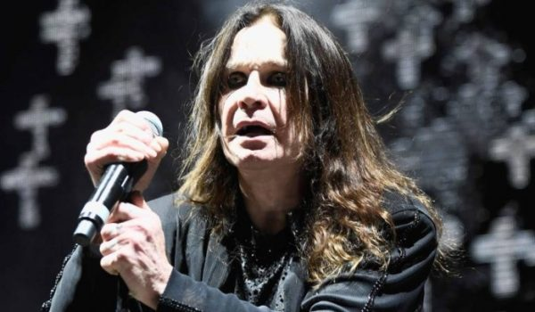 Ozzy Osbourne é hospitalizado depois de complicações com a gripe