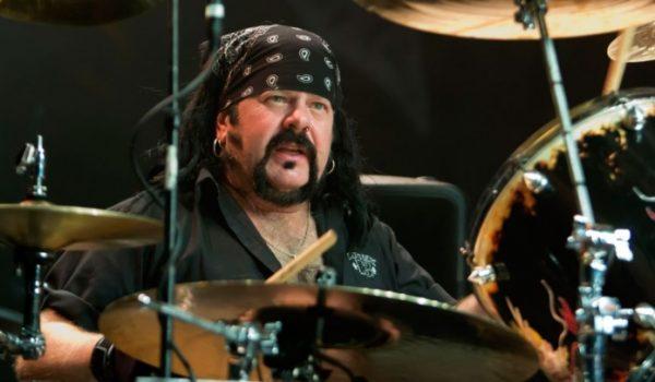 Pantera: Vinnie Paul não apareceu no tributo In Memoriam do Grammy