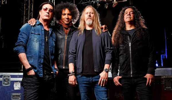 Assista ao terceiro episódio de Black Antenna, do Alice In Chains