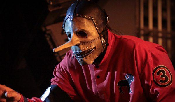 Slipknot anuncia saída de Chris Fehn após músico processar a banda
