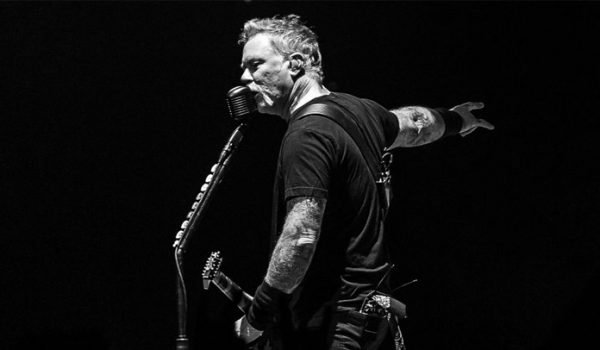 """Metallica toca """"Here Comes Revenge"""" ao vivo pela primeira vez; assista aqui"""