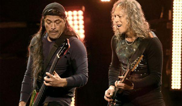 Kirk Hammett e Robert Trujillo tocam Pink Floyd e Kansas em show; assista
