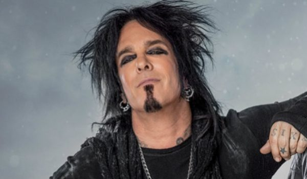 Nikki Sixx comenta caso de estupro presente na biografia do Mötley Crüe