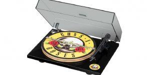 Guns N' Roses lança vitrola personalizada com empresa especializada