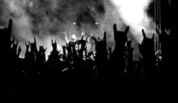 Death metal deixa ouvintes alegres e não os torna violentos, diz estudo