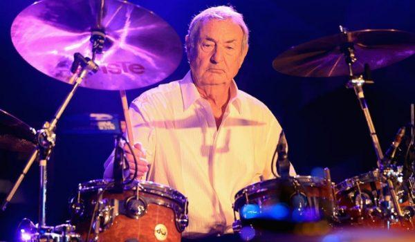 Nick Mason diz ter desistido de reunião do Pink Floyd