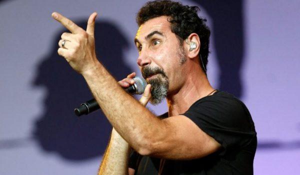 Serj Tankian anuncia documentário sobre própria carreira e ativismo