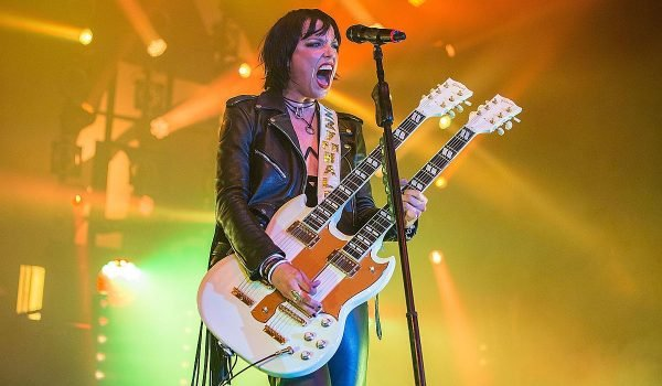 "Halestorm revela B-Side do Record Store Day; ouça ""Chemicals"""