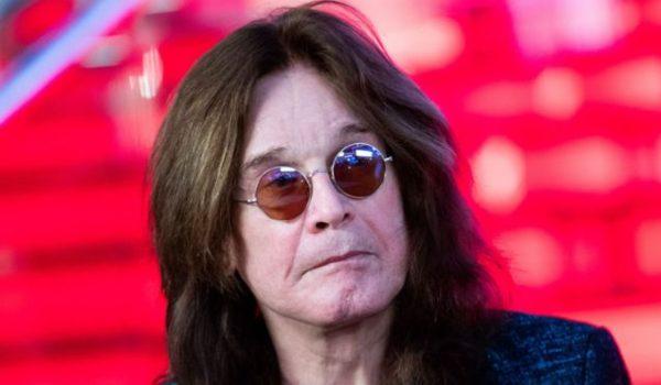 """Ozzy Osbourne """"esteve em coma por dias"""", revela Sharon"""