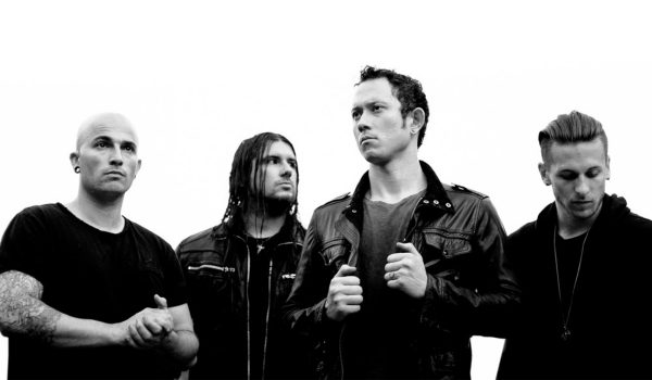 "Trivium faz cover de Type O Negative; ouça ""I Don't Wanna Be Me"""