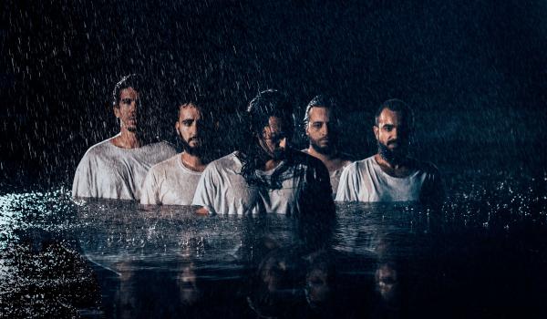 Radio Front, banda carioca, estreia clipe catártico debaixo de chuva; assista