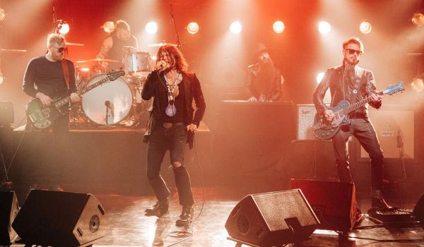 """Rival Sons faz apresentação poderosa de """"Too Bad"""" na TV americana; assista aqui"""