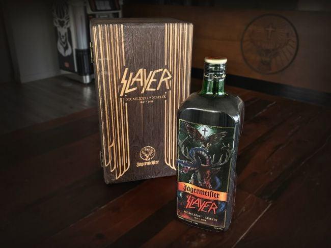 Jägermeister lança garrafa exclusiva em tributo ao Slayer