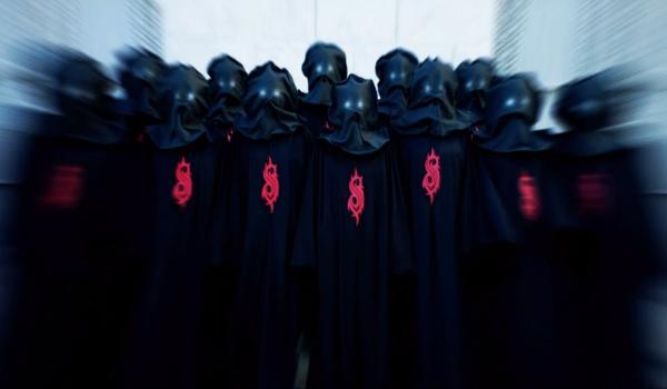 """Slipknot revela novas máscaras no clipe da inédita """"Unsainted"""""""