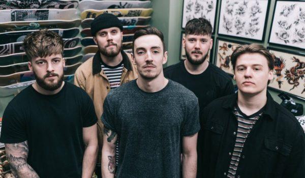 """Trash Boat faz cover de """"Given Up"""" do Linkin Park em campanha pela saúde mental"""