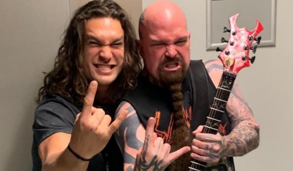Jason Momoa realiza sonho de infância ao conhecer Slayer e Anthrax