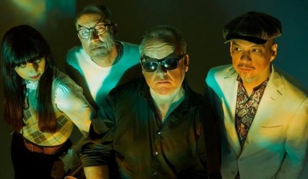 """Pixies anuncia álbum e lança primeiro single; ouça """"On Graveyard Hill"""""""