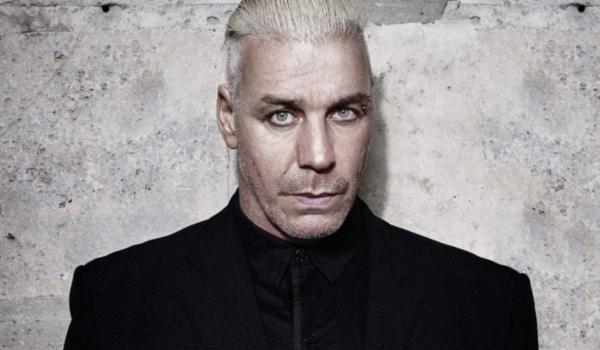 Rammstein: Till Lindemann bate em homem que chamou sua acompanhante de prostituta