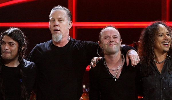 Metallica toca com fã de 13 anos como presente de aniversário; assista