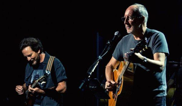 """The Who toca nova música e """"The Punk and the Godfather"""" com Eddie Vedder em show"""