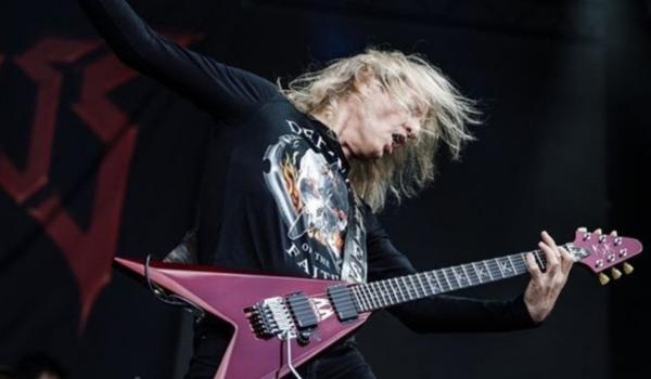 K.K. Downing toca músicas do Judas Priest ao vivo pela primeira vez em 10 anos